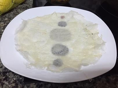en un plato