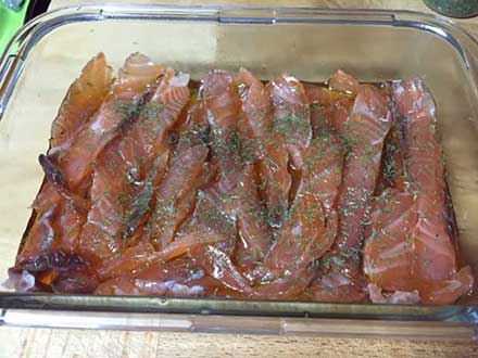 salmón ahumado en tiras